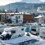 Na narty kamperem – czy to dobry pomysł?